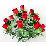 Букет бархатных роз с кашкой.